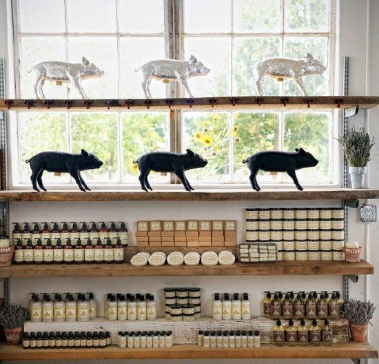Los Poblanos lavender farm store