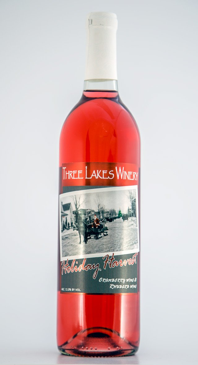 three-lakes-winery-holiday-harvest-bottle