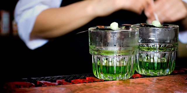 Free quotes on labels for absinthe